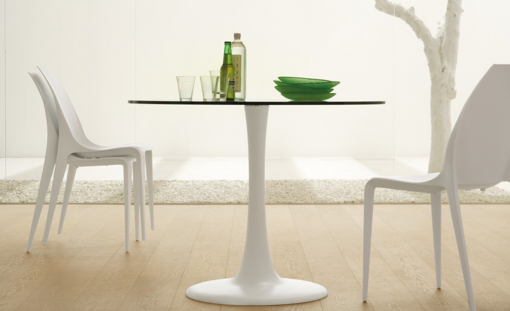 Étkezőasztalok / Hugo Bistrot