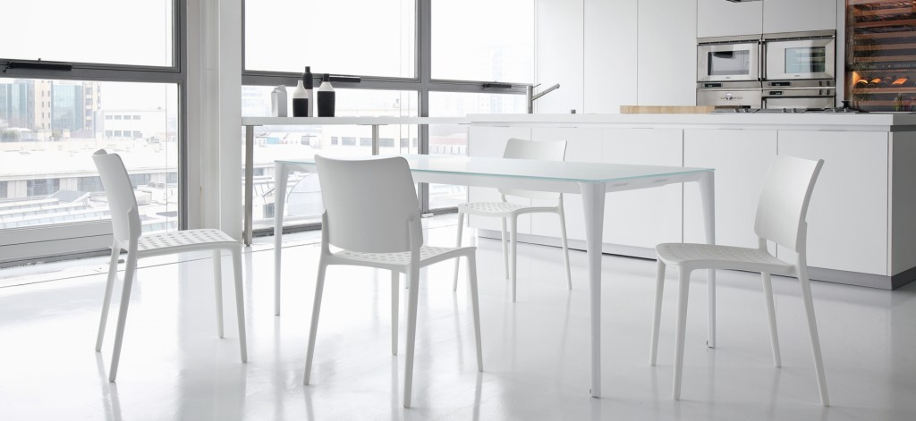Étkezőasztalok / Sol