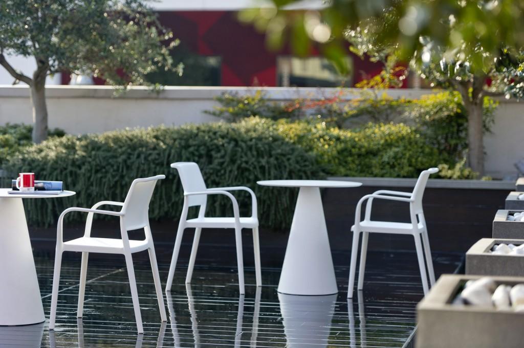 Kávézóasztalok / Ikon