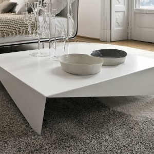 voila-modern-kisasztal