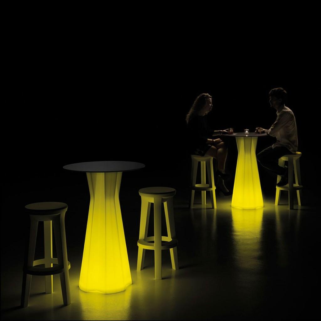 Bisztróasztalok és Bárasztalok / FROZEN TABLE LIGHT