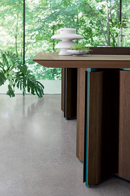 Étkezőasztalok / Cross wood