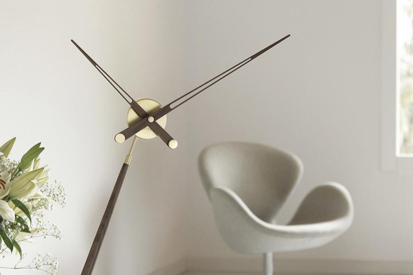 Design órák / PUNTERO - asztali óra