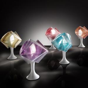 01_gemmy-prisma-table_slider