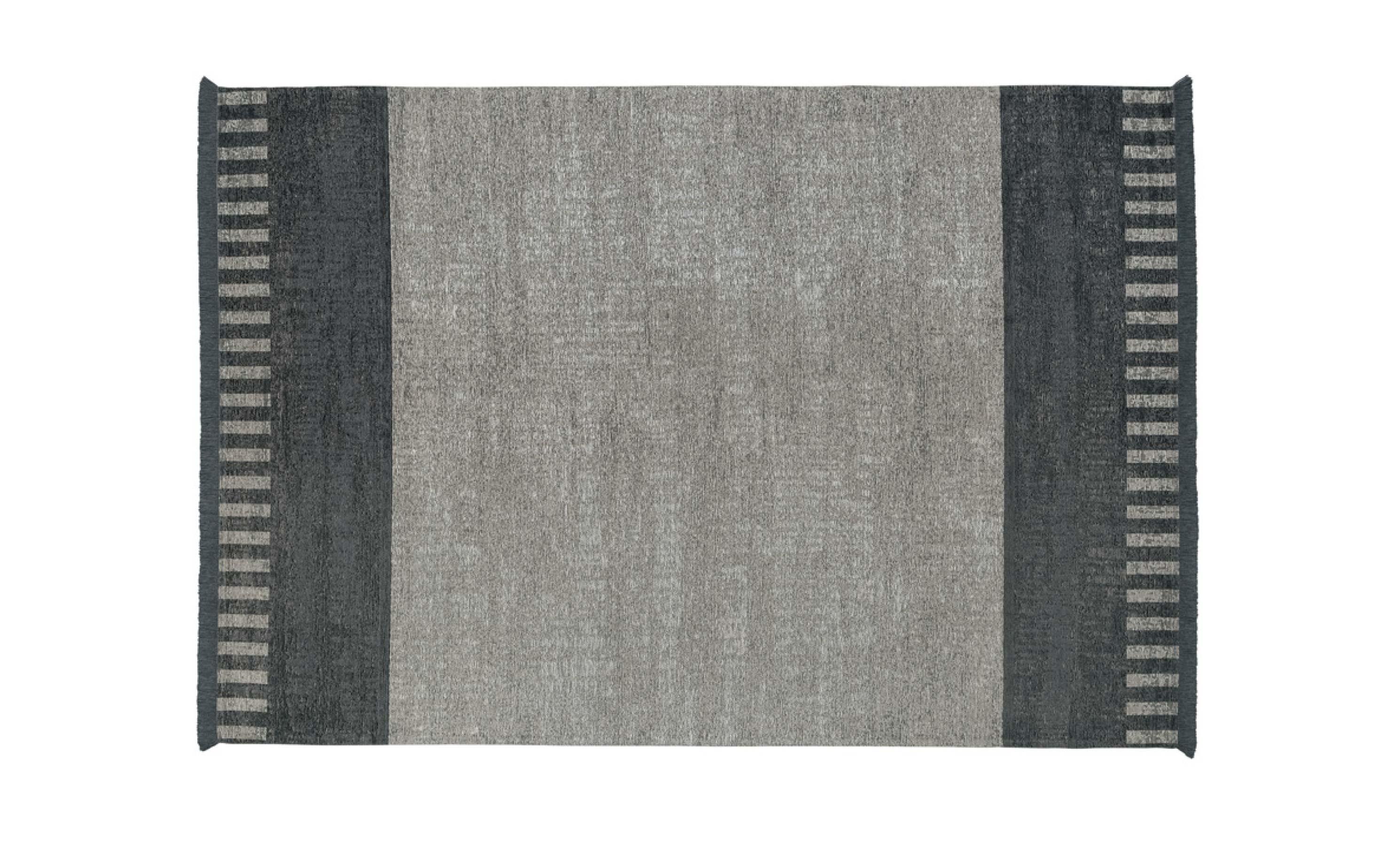http://desidea.hu/wp-content/uploads/2019/11/tappeto-rug-black-white.jpg