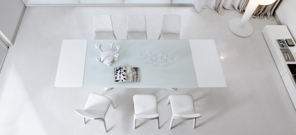 https://desidea.hu/wp-content/uploads/fly-images/101627/big_table_white-1024x0.jpg
