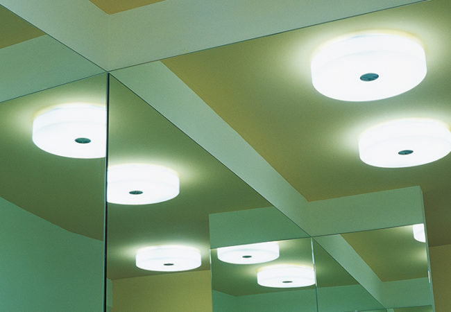 button-ceiling-wall-lissoni-flos-F31900-product-life-03-720x498