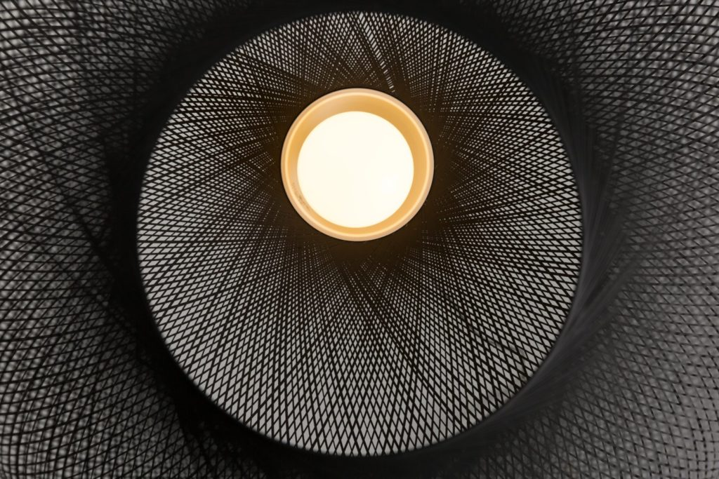 https://desidea.hu/wp-content/uploads/fly-images/159985/moooi-nonrandom-fuggesztett-lampa-1024x0.jpg
