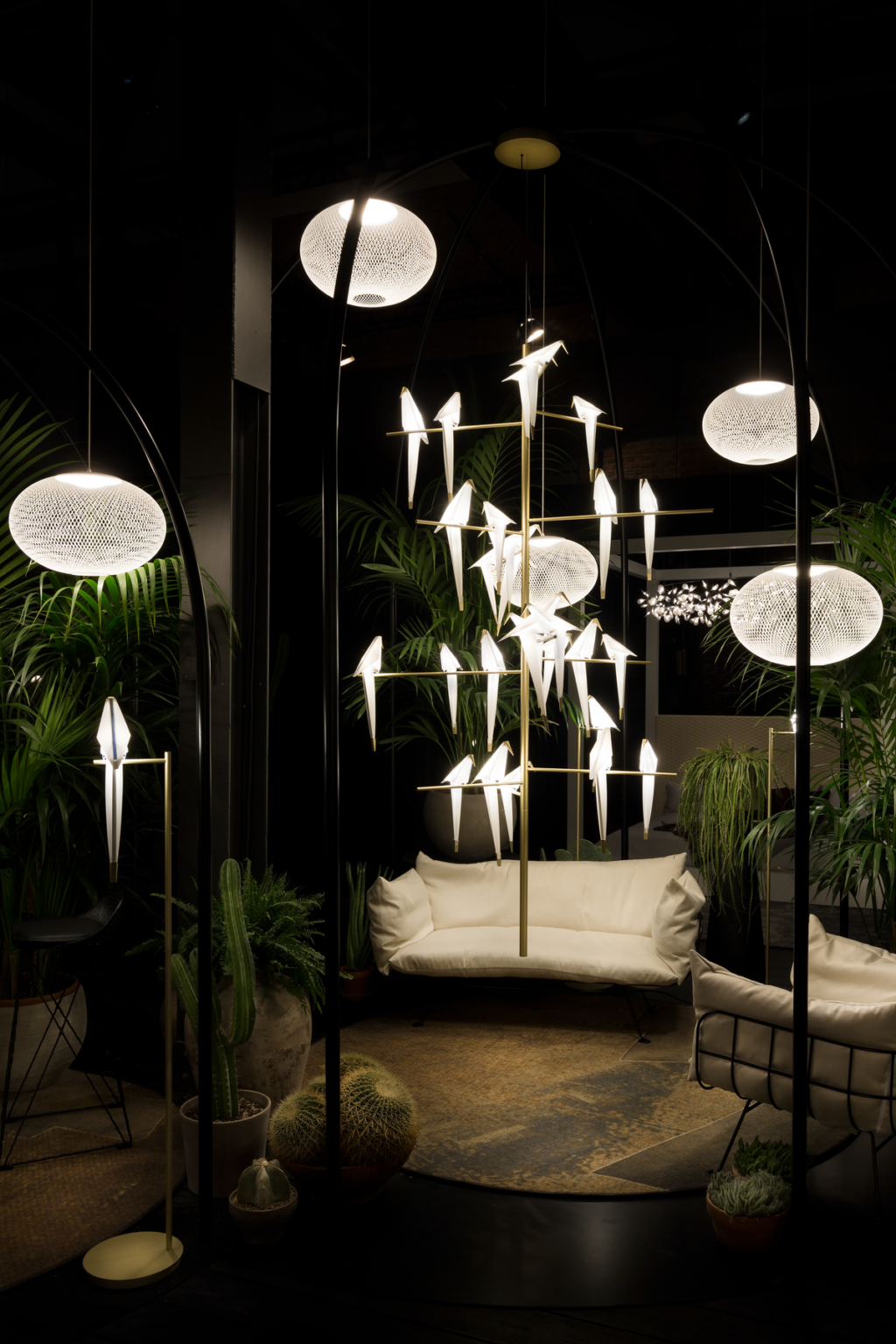 https://desidea.hu/wp-content/uploads/fly-images/160163/moooi-perch-allolampa5-1024x0.png