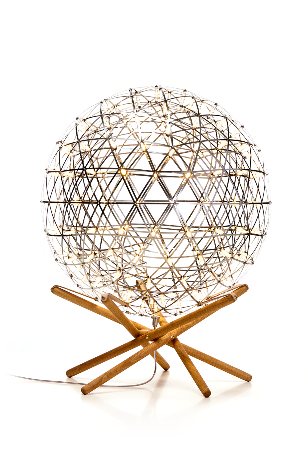 https://desidea.hu/wp-content/uploads/fly-images/160213/moooi-raimond-tensegrity-allolampa6-1024x0.png