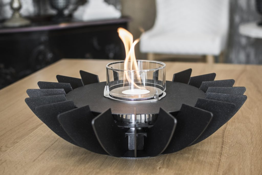 https://desidea.hu/wp-content/uploads/fly-images/162030/glammfire_cosmo-asztali-biokandallo2-1024x0.jpg