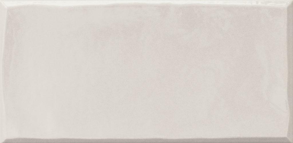 https://desidea.hu/wp-content/uploads/fly-images/162907/emilceramica-ergon-betonhatasu-gres-tr3nd-majolika-white-1024x0.jpg