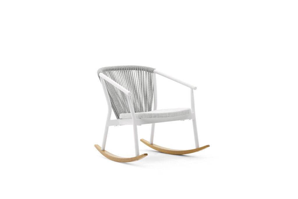 https://desidea.hu/wp-content/uploads/fly-images/164249/rocking-chair-varaschin-smart5-1024x0.jpg